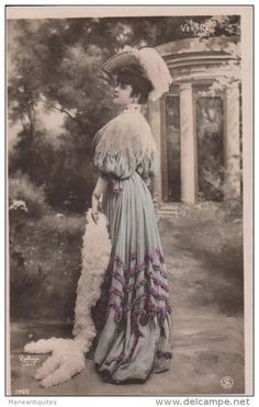 You are looking for a rare collectable item? Stamps, coins and banknotes, postcards or any other collectable items are on Delcampe! Victorian Fashion, Stamp, Fire, Fancy, The Originals, Painting, Vintage Photos, Postcards, Dreams