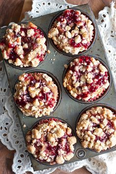 Peanut Butter Jelly Muffins - Muffins with Mom Muffin Recipes for Mother's Day Jelly Recipes, Baking Recipes, Pb And J Recipe, Brunch Recipes, Dessert Recipes, Dessert Food, Delicious Desserts, Yummy Food, Peanut Butter Recipes