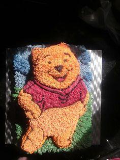 Winne The Pooh cake