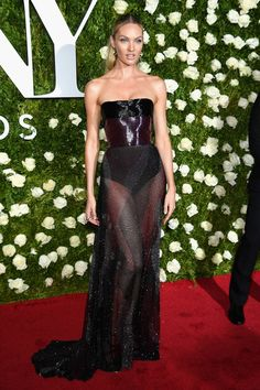Celeb Spoting: Candice Swanepoel in Prabal Gurung on the red Carpet at the Tony Awards 2017.