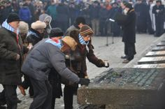 The last part of the ceremony was placing candles at the Monument in Birkenau to honour all the victims of the Auschwitz camp.