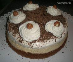 Túto tortičku pozná asi každý. Robila som ju pre ocka na narodeniny, keďže miluje orechové, no nemusí príliš maslové :) .. Ocko bol spokojný a to je pre mňa hlavné ...