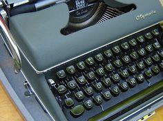 1950s Vintage Olympia Typewriter