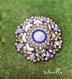 by Marilla Lesti Veresné Wire Wrapped Jewelry, Beaded Jewelry, Beaded Bracelets, Twin Beads, Beaded Christmas Ornaments, Beaded Brooch, Homemade Jewelry, Pearl Bracelet, Beading Patterns