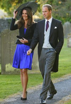 Taking a cue from Prince William and Kate Middleton, here a 5 tips to creating your own royal wedding invitations. Prince William Girlfriends, Prince William Et Kate, William Kate, Moda Kate Middleton, Style Kate Middleton, Morning Coat, Morning Dress, The Duchess, Duchess Of Cambridge