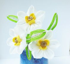Small Bunch of Daffodil Flowers Tsumami Kanzashi Hair Comb