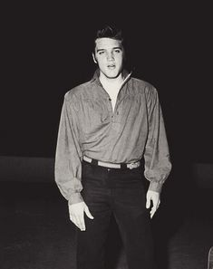 Elvis Presley during rehearsals for the Ed Sullivan Show, Rare Elvis Photos, Elvis Presley Photos, Rare Photos, Most Beautiful Man, Gorgeous Men, Beautiful Pictures, Rock N Roll, The Ed Sullivan Show, Young Elvis