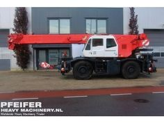 Used telescopic crane available at Pfeifer Heavy Machinery. Item Number PHM-Id 06911, Manufacturer TADANO, Model GR300EX, Year of construction 2009, Hours 2013, Loading (lifting) capacity (kg) 30000 Boom length maximum (m) 31, Fuel Diesel.