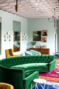 15+Colorful+Reasons+to+Break+From+the+Neutral+Sofa+via+