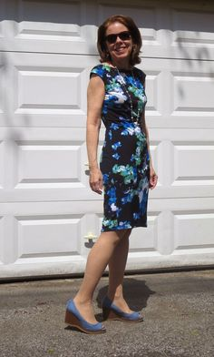 Editor's Note: This post was updated in March 2016 . For up-to-the-minute sales, take a peek at my On Sale page.And for tips on buyin. Office Fashion Women, Womens Fashion, Blue Dresses, Summer Dresses, Marine Uniform, Neue Outfits, Fashion Over 50, Holiday Dresses, Spring Outfits