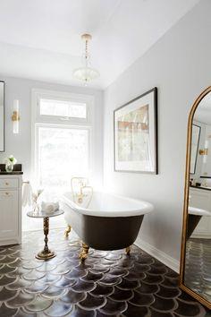 Romantic scale tile \ Bathroom Interior Design \ Home Decor Bad Inspiration, Bathroom Inspiration, Bathroom Ideas, Bathroom Inspo, Design Bathroom, Bathroom Stuff, Shower Ideas, Cozy Bathroom, Bathroom Trends