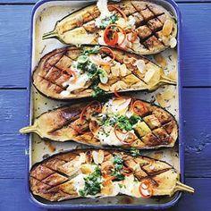 29 januari - aubergine in de bonus - Recept - Aubergines uit de oven… Veggie Recipes, Vegetarian Recipes, Dinner Recipes, Healthy Recipes, Vegetarian Dish, Wiener Schnitzel, Irish Stew, Oven Dishes, Eggplant Recipes