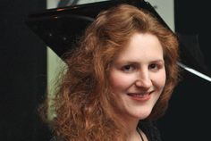 Bravas galore for pianist Tamara Anna Cislowska who won the 2015 ARIA Award for the Best Classical Album with her double CD Peter Sculthorpe: Complete works for solo piano.