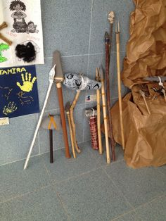 Hacemos un museo prehistórico (4 años A y B) History Projects, History Class, Ancient Egypt, Ancient History, Stone Age Art, 7 Arts, Early Humans, Dinosaur Party, Native American Art