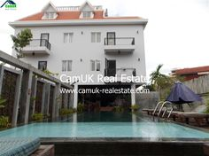 Stunning 3-bedroom apartment becomes available for rent is situated in Slor Kram Commune, Siem Reap City within 8-minute Tuk-Tuk rides from the Old Market and most amenities within working distance. The property comes with outdoor swimming pool, the separate bedroom and one living room, private balcony with fresh view, fully furnished and a parking space. …