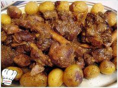 Απιστευτα ωραιο κρεας το αγριογουρουνο,μαριναρισμενο,και καλομαγειρεμενο με μπολικα μυρωδικα...ουισκι και πετιμεζι δινουν το τελειο γευστικο αποτελεσμα και ιδανικο για το Πρωτοχρονιατικο τραπεζι και οχι μονο. Ενα φαγητο σκετο λουκουμι!!! <strong>Δοκιμαστε το!!!</strong> Greek Recipes, Meat Recipes, Cooking Recipes, Recipies, Greek Cooking, Different Recipes, Chicken Wings, Dessert Recipes, Food And Drink