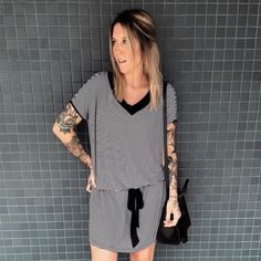 LOOKSLY - Manoela Meinke com vestido listrado do Alto Verão 2017
