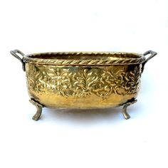 Solid brass Ornate Oval Footed Planter / Floral Brass planter with Handles / Made in India by EllasAtticVintage on Etsy Bed Crown, Brass Planter, Brass Texture, Vintage Home Decor, Boho Decor, Solid Brass, Decorative Bowls, Planters, India