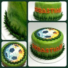 Minicake Standard Football #pritycakes #cakes #fondantcakes #edibleprints #minicakes #football #futbol #soccer #ball