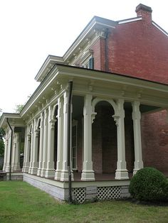 Oakland Historic House Museum at Murfreesboro, Tenn. by Highway64, via Flickr