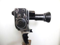 Bolex Paillard - 8 mm Filmcamera - Model Zoom Reflex P 2  Bolex Paillard Zoom Reflex P 2 8 mm film cameramade in Switserland ( Paillard S.A. Sainte -Croix ) model Zoom Reflex P 2ca 1962in gebruikte staat - batterij niet aanwezig - veer werk functioneert .niet getest met filmboekjes en originele kofferstatief niet bijgeleverdwordt verzekerd verzonden  EUR 22.00  Meer informatie