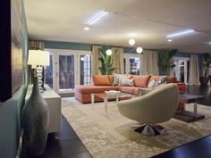 HGTV Star contestant Jeribai Tascoe's hotel suite makeover. This midcentury-modern sitting area is ready for entertaining. (http://www.hgtv.com/hgtv-star/hgtv-star-season-8-photo-highlights-from-episode-7/pictures/page-24.html?soc=Pinterest)