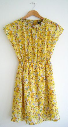 Vintage dress Yellow Blue Flowers S/M by HappySweaters on Etsy, €39.00