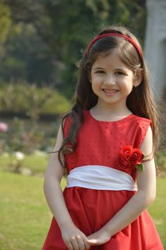 Adorable Pics of Cute Little Latest Harshali Malhotra aka Munni of Bajrangi Bhaijaan Arabian Beauty Women, Indian Beauty, Child Actresses, Child Actors, Baby Girl Party Dresses, Flower Girl Dresses, Cute Kids, Cute Babies, Little Girl Pictures