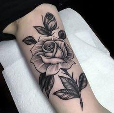 Hergestellt von Stella Luo Tätowierern in Toronto, Kanada - rose tattoos Unique Tattoos, Cute Tattoos, Beautiful Tattoos, Body Art Tattoos, Tattoo Ink, Hand Tattoos, Girl Tattoos, Sleeve Tattoos, Tattoo Flash