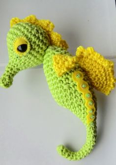 Check out this little guy! Stanley the Crocheted Seahorse found via Amigurumi Barmy.  Liz says that there will be a pattern out in early 2013, keep your fingers crossed!