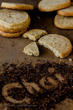 Chai Shortbread cookies recipe | via Delicieux ledelicieux.com