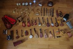 Miniature toy musical instrument collection (by Peter's_Toys, via Flickr)
