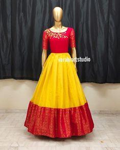Blouse Designs High Neck, Half Saree Designs, Simple Blouse Designs, Bridal Blouse Designs, Party Wear Indian Dresses, Indian Gowns Dresses, Indian Fashion Dresses, Dress Indian Style, Designer Blouse Patterns