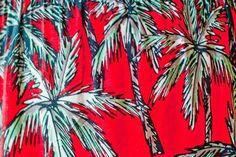 Un look con estampado de palmeras, una de las tendencias de la temporada