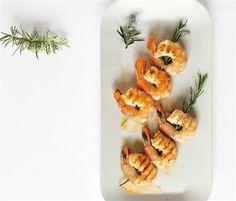 Γαρίδες σουβλάκι σε δενδρολίβανο