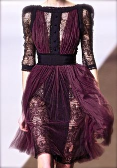 Wow, this is gorgeous!! Elie Saab Couture f/w 2010 #lace #fashion