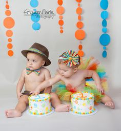 twin cake smash photography..love colors and background