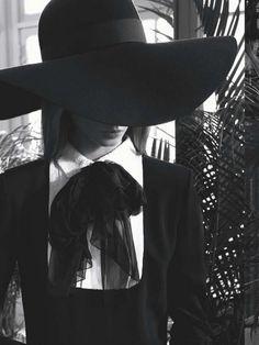 "Miss Ga - ""Narcisse"" Anna Selezneva by Camilla Akrans for. Witch Fashion, Dark Fashion, Gothic Fashion, Hipsters, Coven Fashion, Mode Sombre, Anna Selezneva, Style Parisienne, Cinema Tv"
