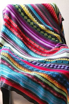 Want to make a rainbow crochet blanket? Fancy trying a myriad of new crochet stitches? I've made the pattern for my crochet blanket available, for free! Beau Crochet, Knit Or Crochet, Crochet Crafts, Crochet Projects, Crochet Braid, Scrap Crochet, Chevron Crochet, Crochet Mask, Crochet Romper