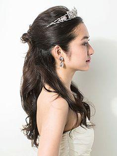【花嫁ヘアスタイル カタログ】ティアラ&ヘッドアクセサリー編 | ウエディング | 25ans(ヴァンサンカン)オンライン Bridal Accessories, Headpiece, Eyebrows, Wedding Hairstyles, Hair Makeup, Wedding Inspiration, Bride, Hair Styles, Earrings