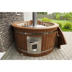 Luxurious m thermowood hot tub with integrated oven - Luxurious m thermowood hot tub with integrated oven Best Picture For kitchen garden For Your - Backyard Smokers, Hot Tub Backyard, Hot Tub Garden, Saunas, Jacuzzi, Sauna Room, Cabin Design, Kitchen Pictures, Wet Rooms