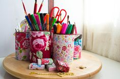 DIY Artsy Caddy with upcycled tin cans #diy #craft #tutorial #home #floral #upcycle #upcycled