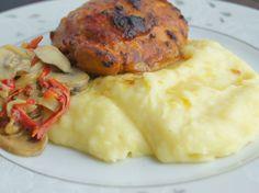 Patates Püresi Yatağında Soslu Tavuk Recipe Type: Tavuk Yemeği Cuisine: Türk Author: Zeynep Prep time: 10 mins Cook time: 30 mins Total time: 40 mins Serves: 6 Kişilik Ingredients 9 parça tavuk pirzola 1 yemek kaşığı domates salçası 2 yemek kaşığı sıvıyağ 1 yemek kaşığı yoğurt 1 tatlı kaşığı sirke 1 yemek kaşığı mayonez 1 …