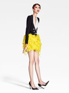 http://www.vogue.com/fashion-shows/spring-2017-couture/ronald-van-der-kemp/slideshow/collection