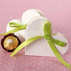 el corazón en forma de cuadro a favor de blanco con cinta verde x 12 unidades $4.99