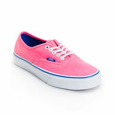 Step into a timeless look that has no shortage of style with the Vans Authentic Washed Twill shoes for girls. Built with a Neon Pink twill upper and the Vans signature vulcanized waffle outsole, these Authentics have a low top profile and a lace up design that will go great with just about any outfit. Please Note: The sizes shown are in women's, for men's sizing, go up 1.5 sizes.