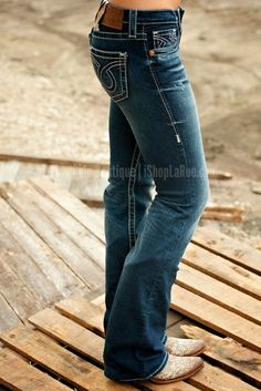 Need new jeans for fall. Love this bootcut pair All Jeans, Big Star Jeans, Cute Jeans, Low Cut Jeans, Perfect Jeans, Low Rise Jeans, Mode Country, Country Girl Style, My Style