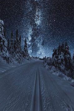 Night landscape photography New Ideas Art Photography Portrait, Winter Photography, Landscape Photography, Photography Aesthetic, Portrait Art, Night Photography, Makeup Photography, Fantasy Landscape, Winter Landscape