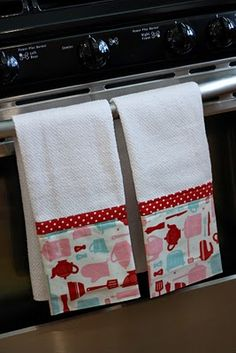 Cute Kitchen Towels - Maybe for Christmas? Blog is not found, but I get the basic idea.