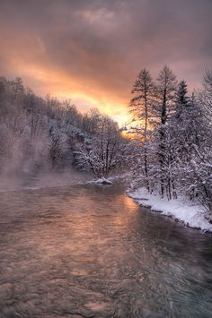 Winter Sunrise in the Country Pretty Pictures, Cool Photos, Winter Scenery, Winter Beauty, Winter Wonder, Winter Landscape, Nature Pictures, Amazing Nature, Beautiful Landscapes